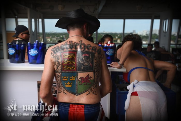 Get some beer - Show some tattoo - Check some ass